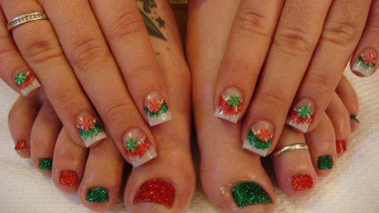 40 Creative Christmas Nail Art Designs Nail Design Ideaz