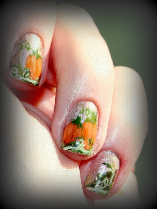 Halloween pumpkin nail art