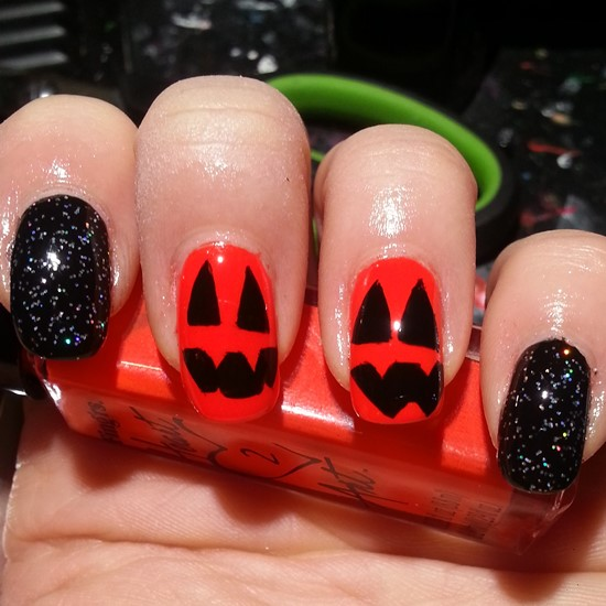 The Ten Scariest Nail Art Designs For Halloween: Halloween Pumpkin Nail Art Designs