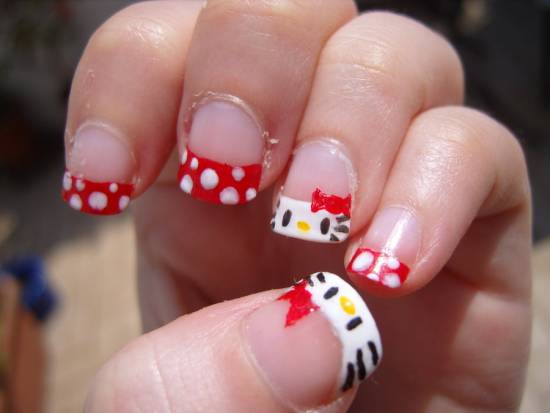 Hello Kitty Nail Art