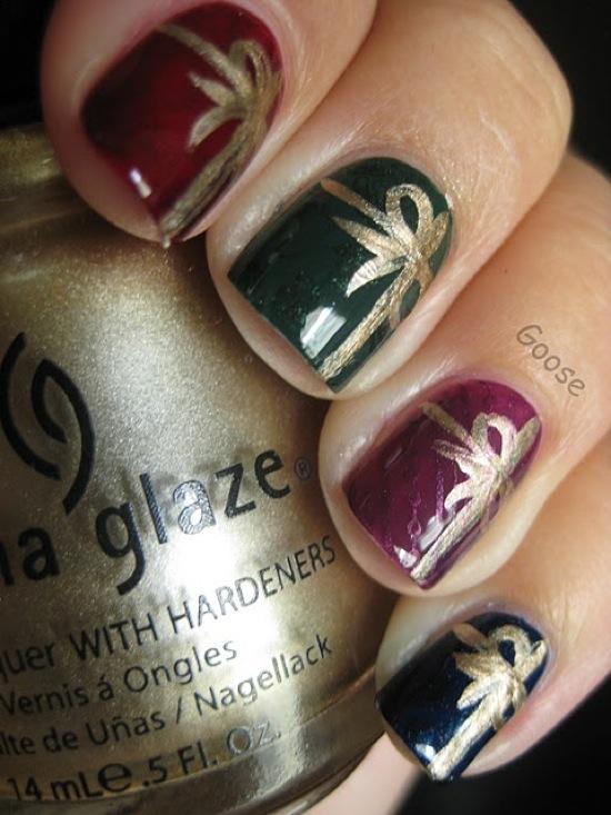 Colorful glazy Christmas nail art