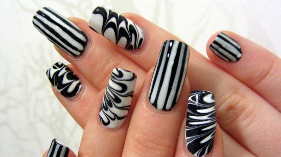 35 creative striped nail designs nail design ideaz striped nail art prinsesfo Image collections
