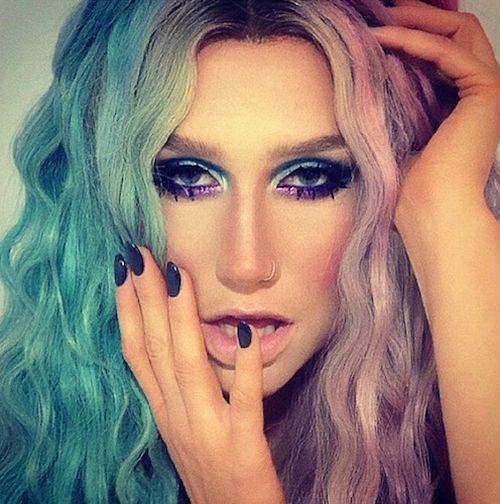 Dark celebrity inspired nails
