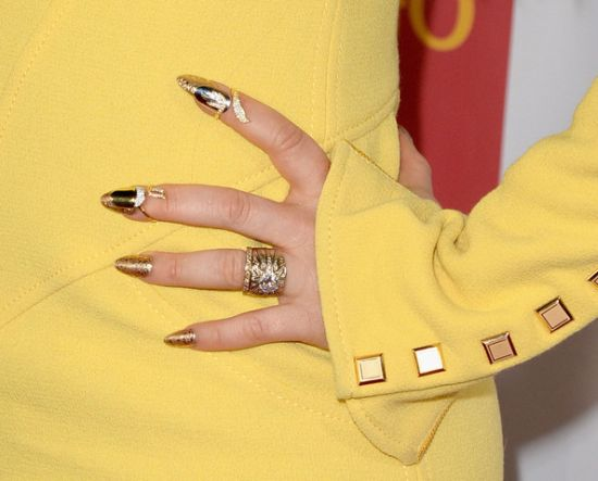Golden metallic celebrity nails
