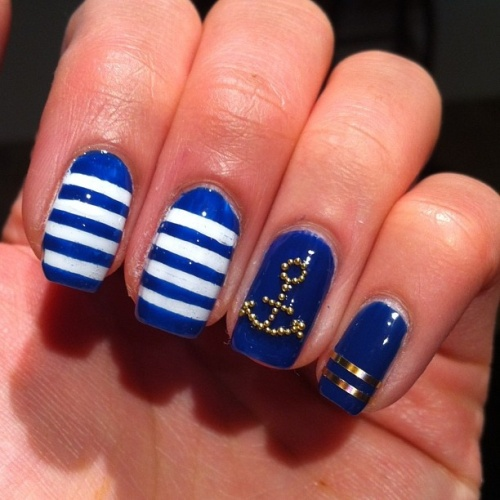 35 creative striped nail designs nail design ideaz striped nails prinsesfo Image collections