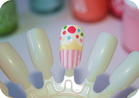 Cupcake nail art tutorial