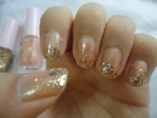 Gold Glitter Nails - 40 Beautiful Gold Glitter Nails Designs Nail Design Ideaz