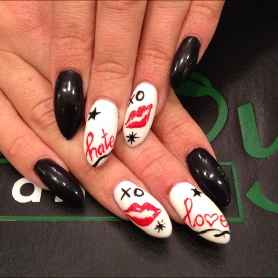50 romantic valentines day nail designs nail design ideaz valentine nails prinsesfo Image collections