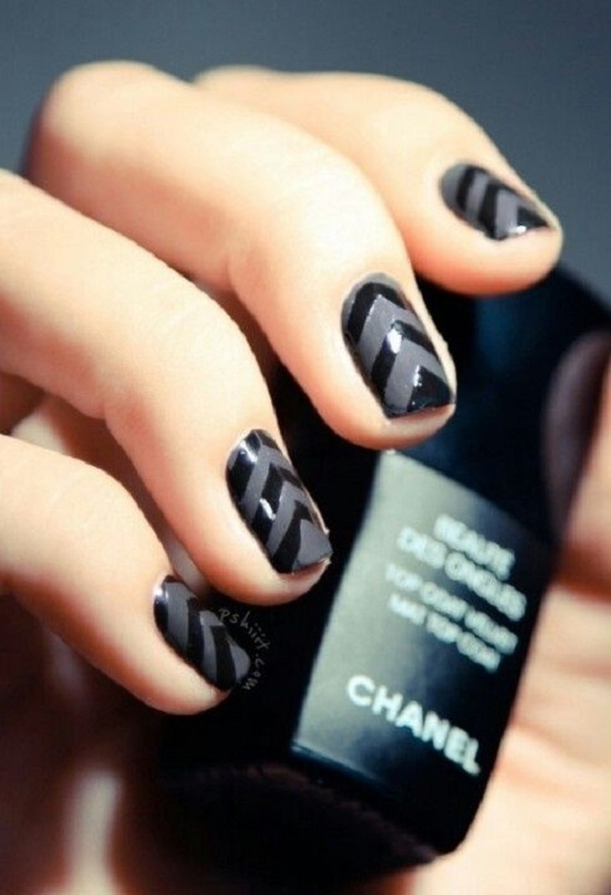 20 diy chevron nails tutorials nail design ideaz dark black chevron nails solutioingenieria Gallery