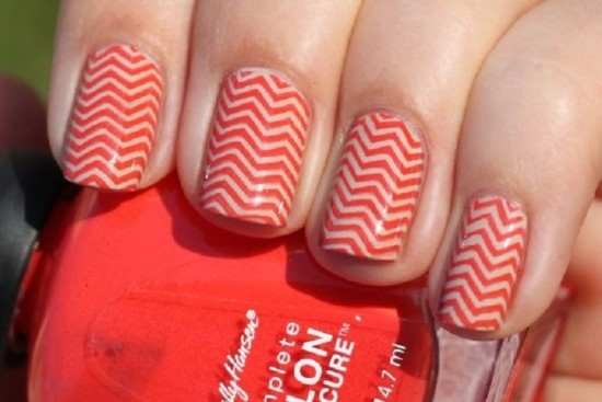 20 diy chevron nails tutorials nail design ideaz the red attack chevron nails solutioingenieria Gallery