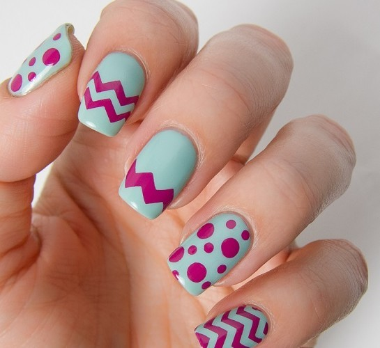 Beautiful Chevron and Bubble Nails