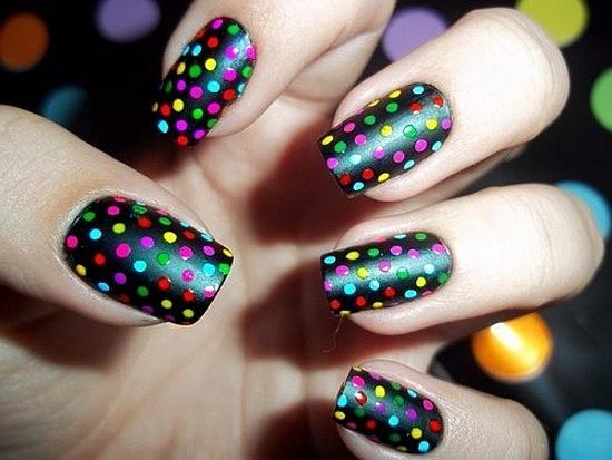 Polka dot nails