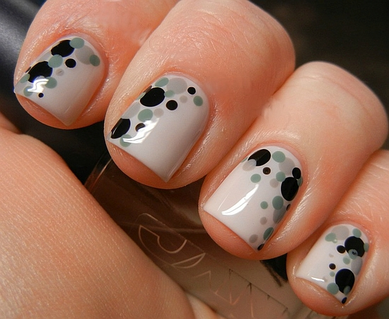 Polka dot nails - 18 Lovely Polka Dot Nail Art Tutorials Nail Design Ideaz