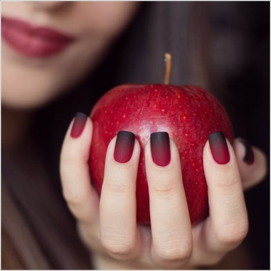 Two tone red and black gradient nails - 35 Stunning Two Tone Nails Designs Nail Design Ideaz