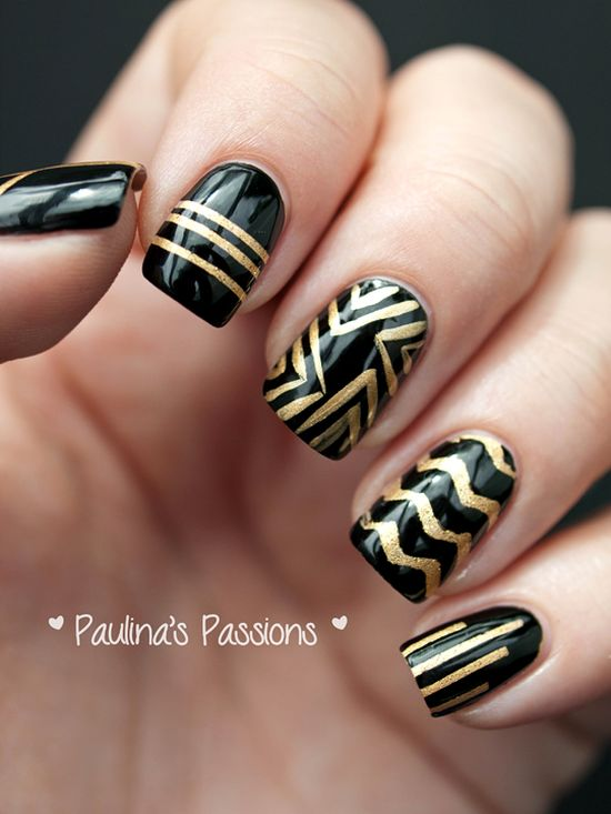 Perfect black and gold striped nail design - 35 Perfect Black And Gold Nail Art Designs