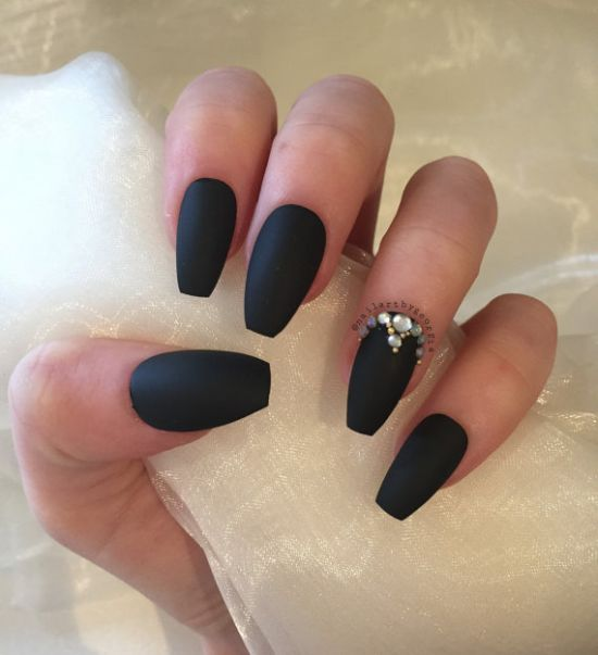 Coffin nails in matte black and rhinestones - 33 Killer Coffin Nail Designs Nail Design Ideaz