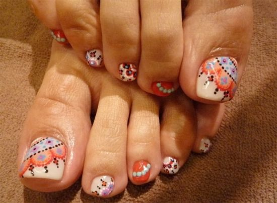 37 pedicure nail art designs that will blow your mind glamorous geometric toe nail art with dots prinsesfo Choice Image