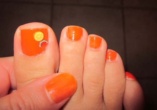 Lemony Orange Toe Nail Design
