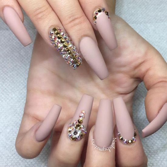 Matte nude coffin nail design with bling art - 33 Killer Coffin Nail Designs Nail Design Ideaz