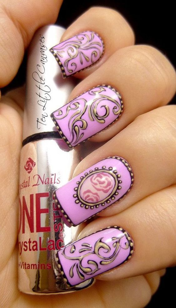40Trendy Curves In Classic Purple Nail Design - 40 Gorgeous Vintage Nail Designs Nail Design Ideaz