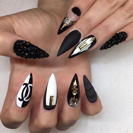 35 superb stiletto nail art ideas nail design ideaz 35black and white stiletto nail designs prinsesfo Images