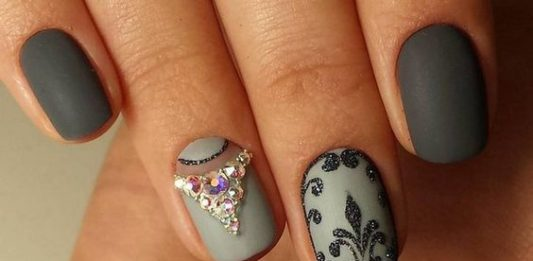 Elegant Matte Grey Nails