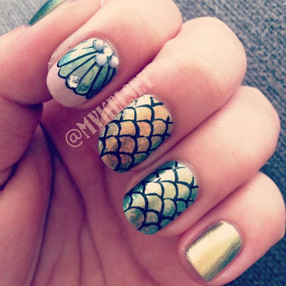 40Gold And Silver Mermaid Fin Nails - 40 Sophisticated Mermaid Nail Art Ideas Nail Design Ideaz