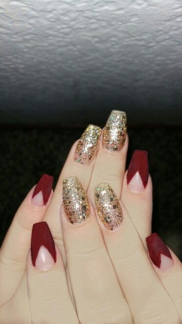 35 Attractive Red And Gold Nails For Everyone Nail Design Ideaz