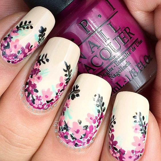 40 Gorgeous Flowers On Nails Designs