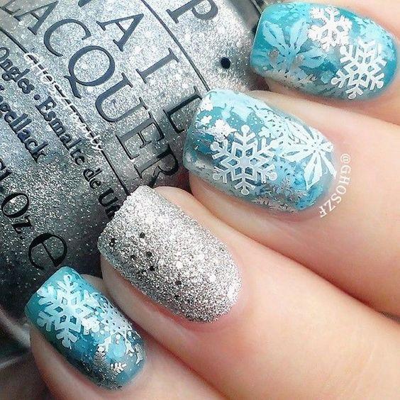 42 Holiday Christmas Nail Polish Designs