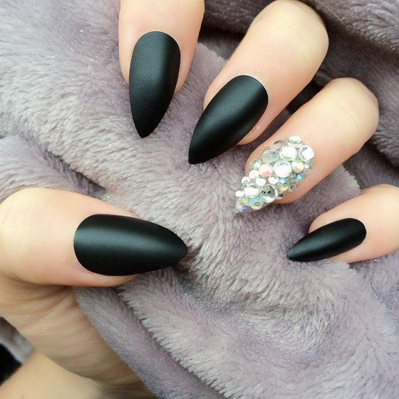 30 Creative Designs For Short Stiletto Nails | Nail Design Ideaz