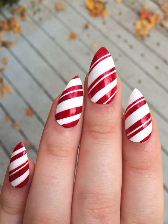 25 Red Christmas Nails