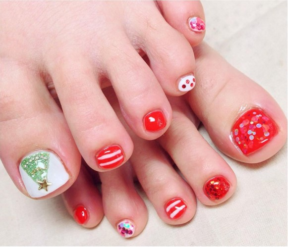 Toe Nail Art Holidays: 35 Christmas Toe Nail Designs
