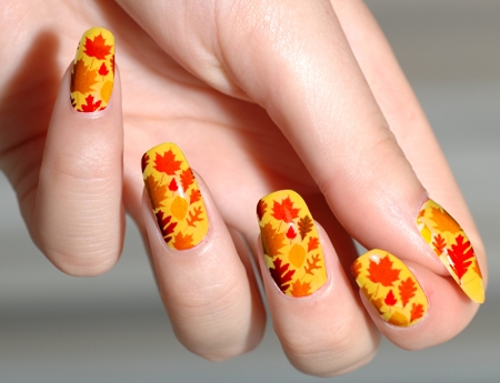 fetching-yellow-orange-nails