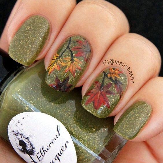 hump-green-nails