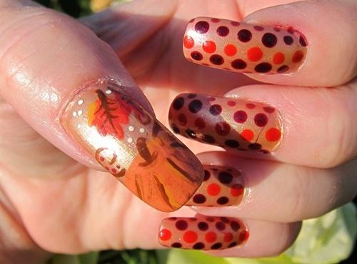 polka-dots-and-squash-nail-art