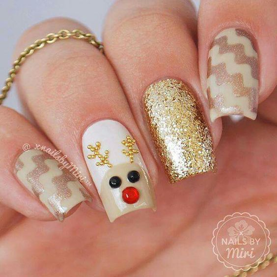 30 cuddly reindeer nails nail design ideaz prinsesfo Choice Image