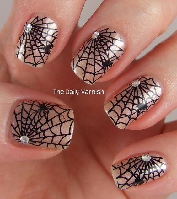 Дизайн для ногтей паутинка