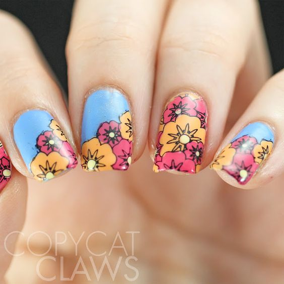 30 Stunning Floral Designs For Nails