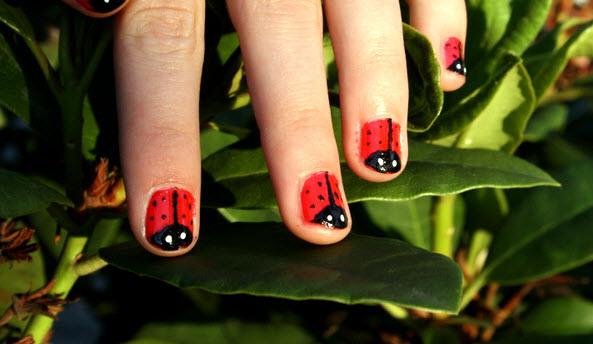 31 Wee Lady Bug Nails