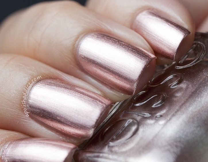 34essie Mirror Metallic Rose Gold Nails