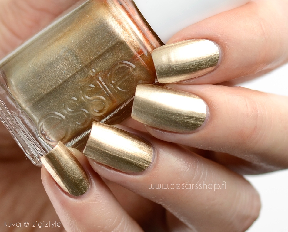 34 Shiny Metallic Nail Polish | Nail Design Ideaz