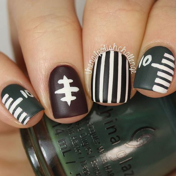 29Football Inspired Nails - 30 Football Nail Designs For Football Lovers Nail Design Ideaz