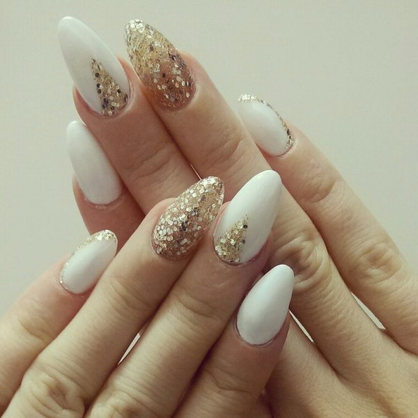 32Gold Glitters On White Nails - 32 Dashing White And Gold Nails Nail Design Ideaz