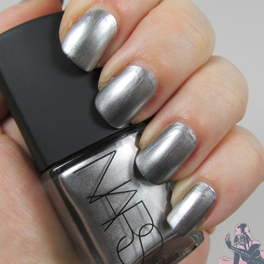 34 Shiny Metallic Nail Polish   Nail Design Ideaz - Page 19