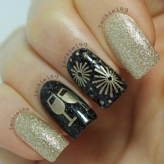 40Champagne Glass in New Year Nail Design - 40 Fun New Years Nails Design Nail Design Ideaz