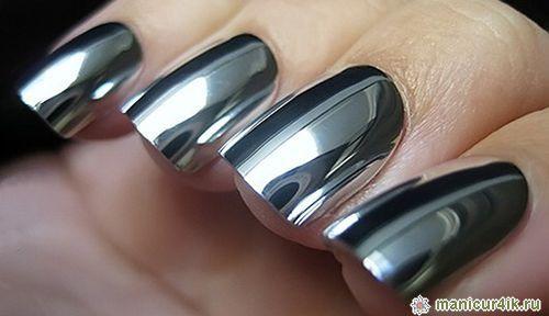 Hot 2017 Trend: Futuristic Chrome Nails | Nail Design Ideaz