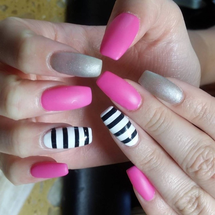 18 best mismatched nail art manicures nail design ideaz classy pink and gray nail design prinsesfo Image collections