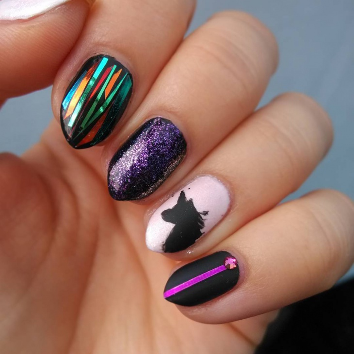 Cool Nail Designs For Short Nails: 18 Best Mismatched Nail Art Manicures