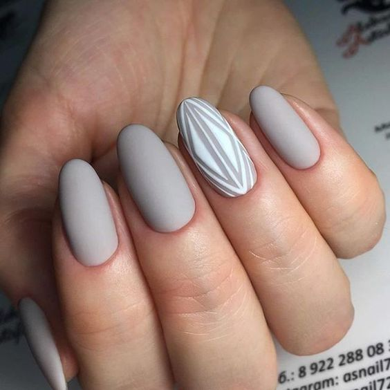 Almond Nails In Grey